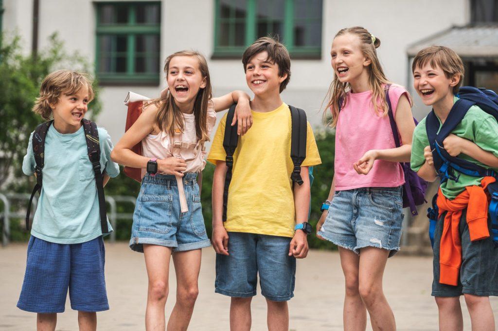 Lapset rivissä. Mitä eroa eri Xplora mallien välillä on?